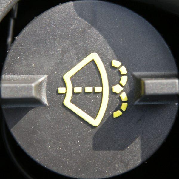 auto langu skystis